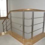 balustrada_metal_porecz_drewniana